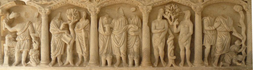 Sarcófago de época constantiniana en el que aparecen representadas escenas del Antiguo y Nuevo Testamento (LEÓN, JURADO, 2010, fig. 255)